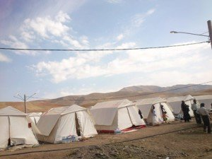 چادر های هلال احمر برای زلزله زده ها