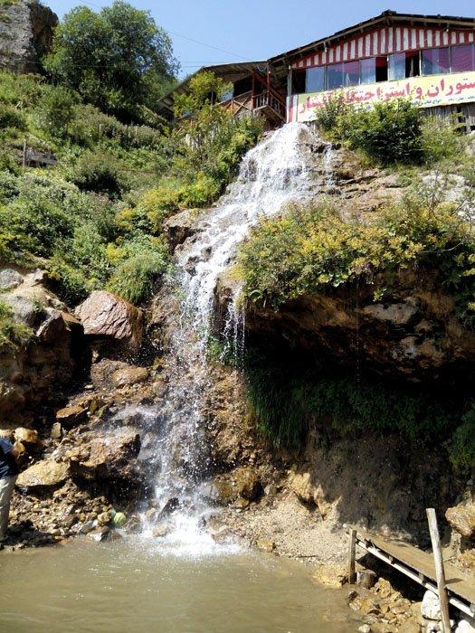 آبشار معروف جواهرده