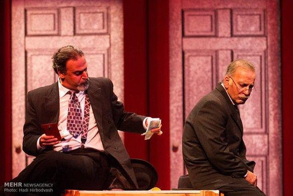 حمیدرضا آذرنگ در تئاتر مرگ فروشنده