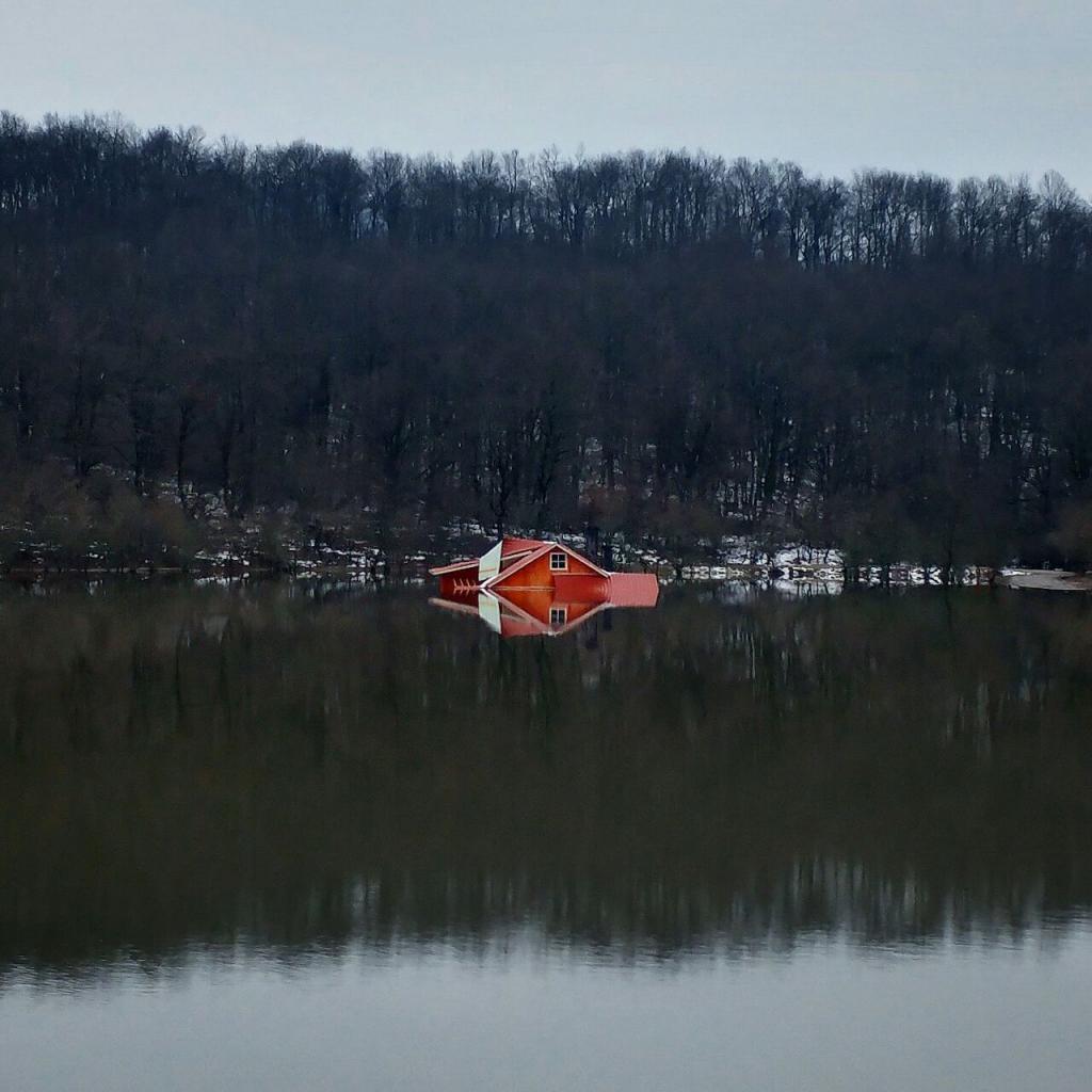 خانهی غرق شده سد سقالکسار