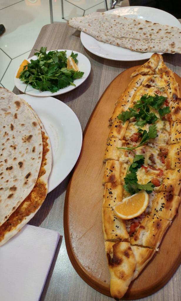 پیده و لاواش غذاهای سنتی آذربایجان