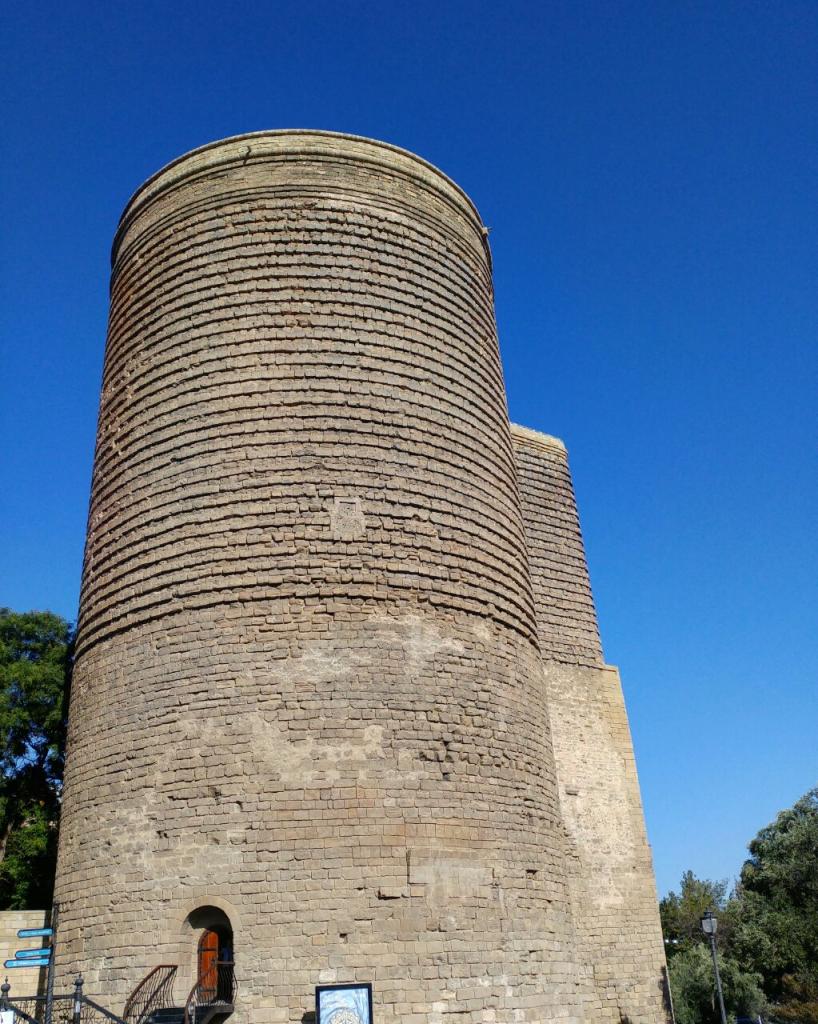 قلعه دختر باکو یکی از آثار ساسانی  Maiden Tower