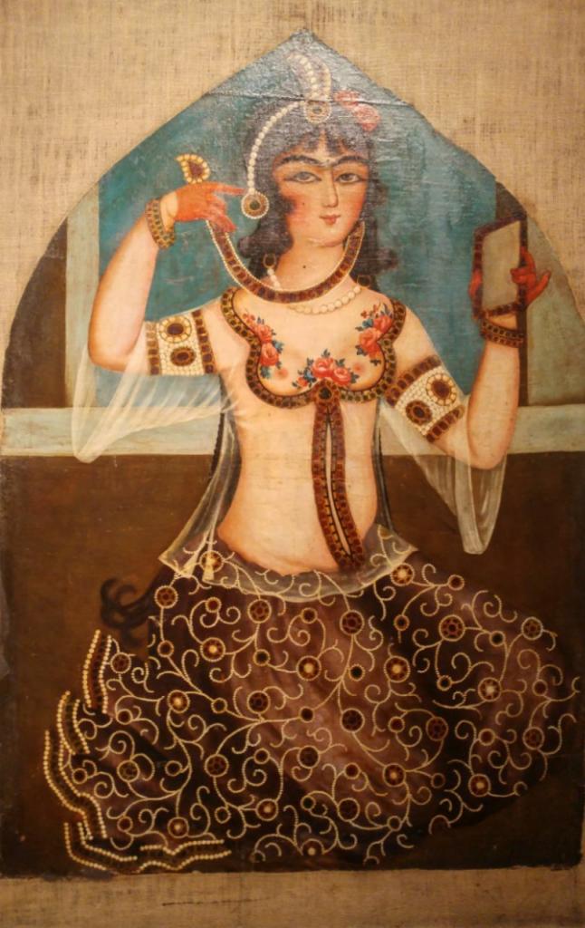 تصویر نیمه برهنه زن قجری در حرمسرای قاجار