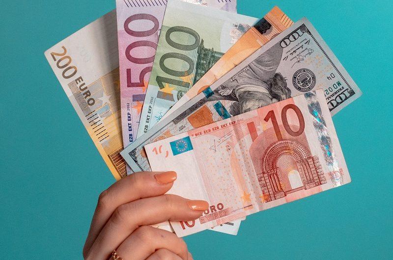 نحوه گرفتن ارز مسافرتی و ارز آزاد برای مسافرت