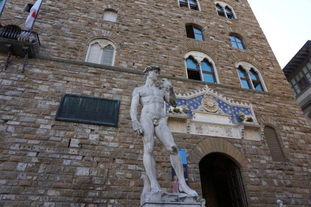 کپی مجسمه حضرت داوود میکل آنجلو فلورانس
