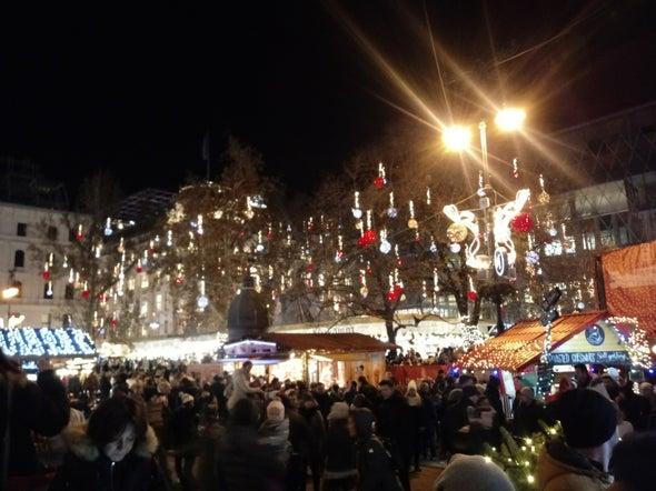 بازار کریسمسی بوداپست