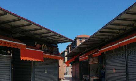 بازار محلی در رُم ایتالیا