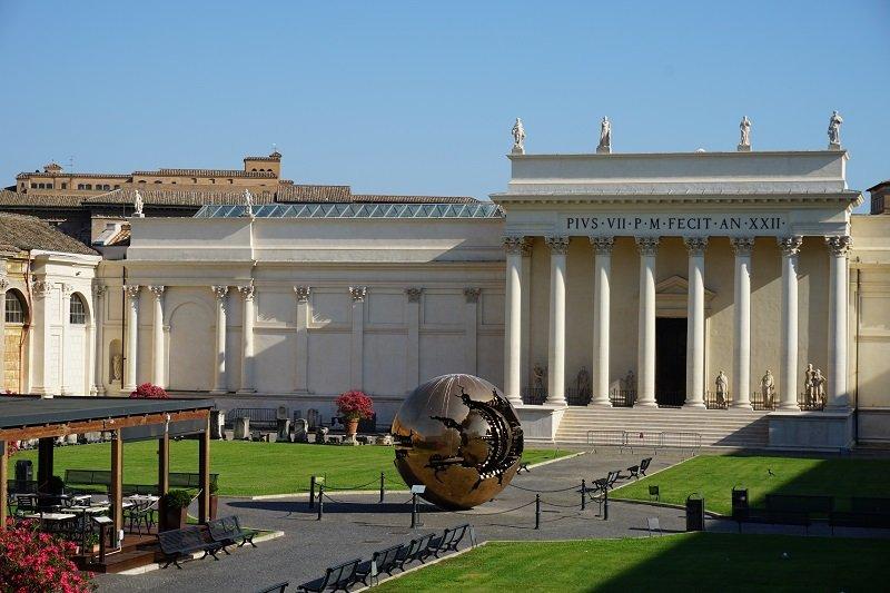 حیاط موزه واتیکان