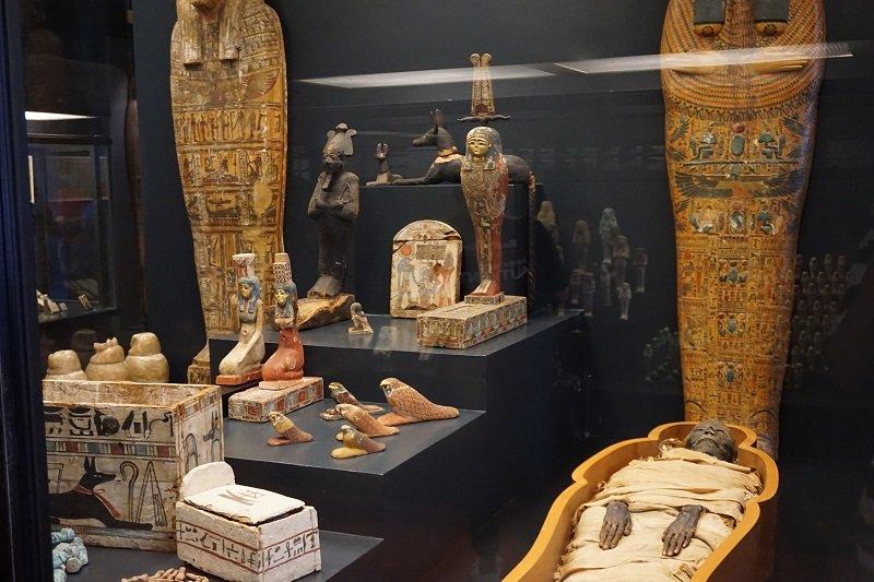موزه مصر باستان و مومیایی